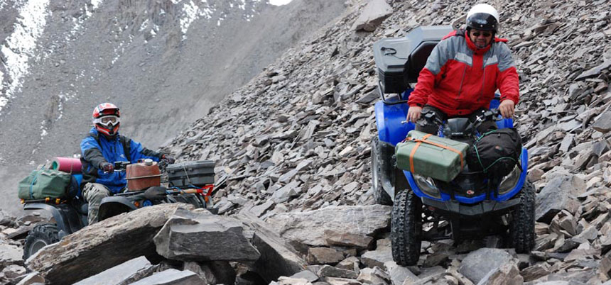 4x4 ATV / UTV (Side by Side) Expedition zum Mount Elbrus Westgipfel 5.642 Meter